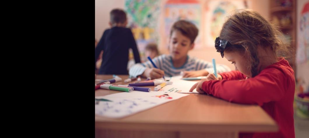 ÉCRANS : QUELLE EST LA FRÉQUENCE LA PLUS RAISONNABLE POUR LES ENFANTS ?